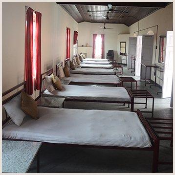 Dormitory Type - Naurang Yatri Niwas, alquiler vacacional en Pragpur