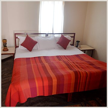 Double Bedrooms - Naurang Yatri Niwas, alquiler vacacional en Pragpur