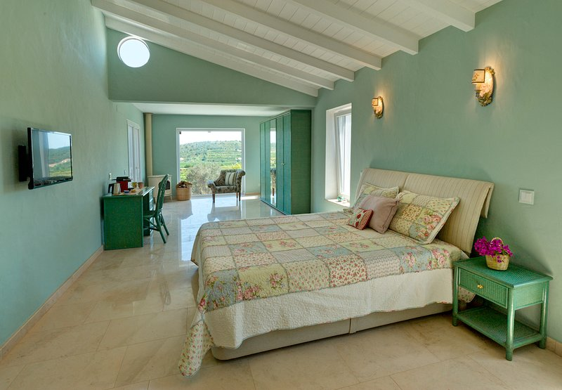 Gato Preto de Silves -Master Suite  The Call of the Country - Breakfast Included, vacation rental in Cumeada