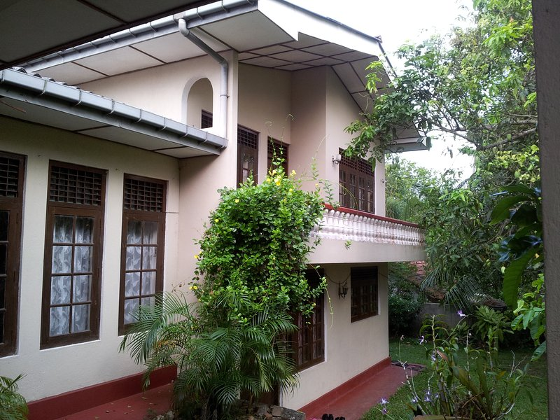 GALLE REST HOME, holiday rental in Gintota