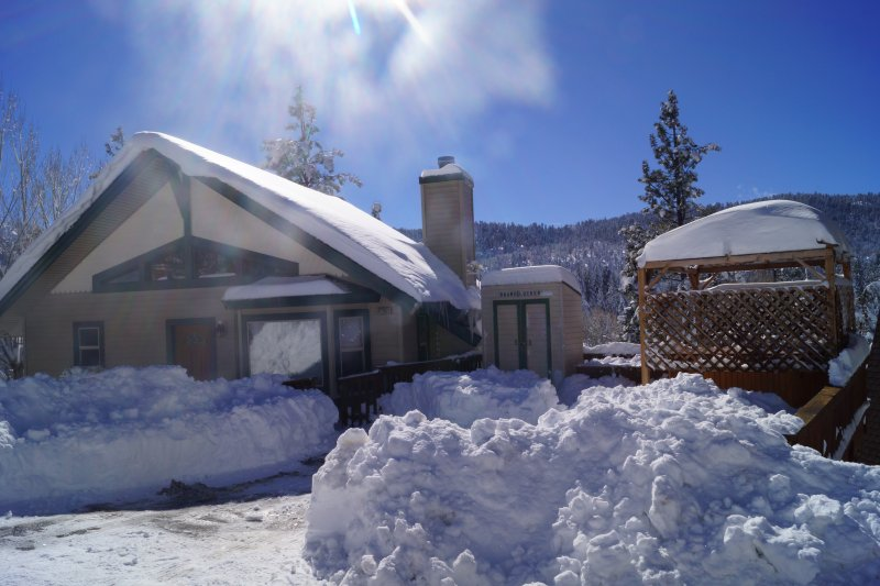 Snow at Big Bear cabin!