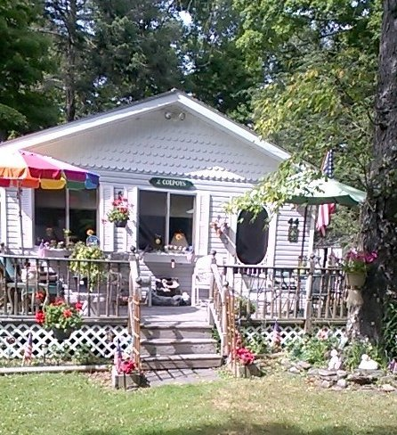Lovely cabin in the woods steps from Beautiful White Lake, vacation rental in Damascus