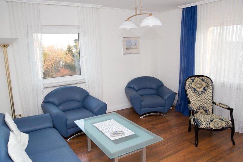 Vacation Apartment in Eschborn - modern, elegant, quiet (# 1655) #1655