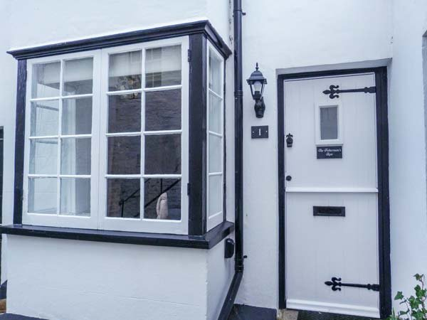 THE FISHERMAN'S REST, Grade ll listed cottage, WiFi, courtyard patio, in, casa vacanza a Hastings