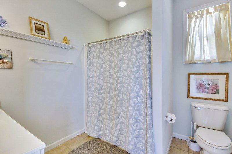 Shared Bathroom-across from Bedroom 5