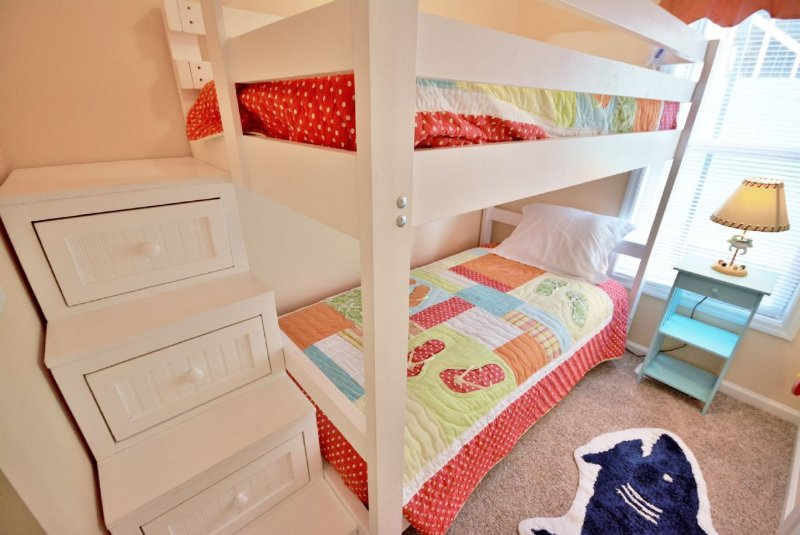 Twin Bunk Bedroom-lower level