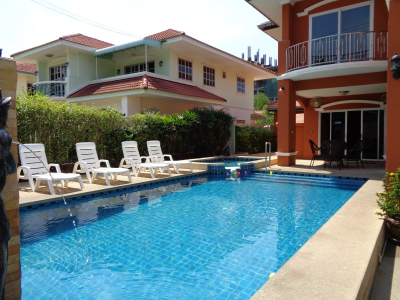 Great Private Pool with Separate Children's Pool South Facing Sun All Day