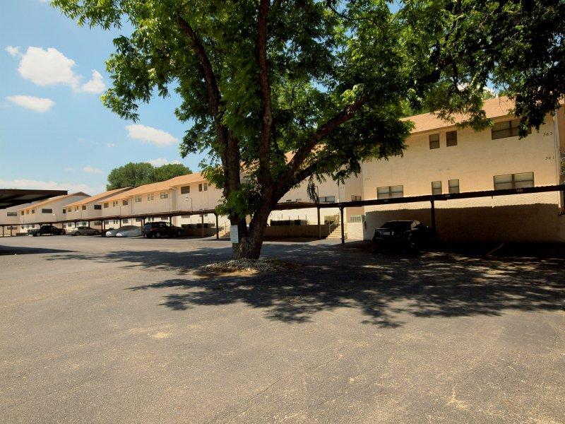 Comal River 313-Parking