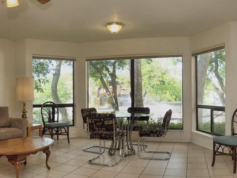Comal River 313-Living Room