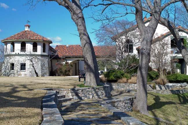 Cypress Falls Falls House-Falls House
