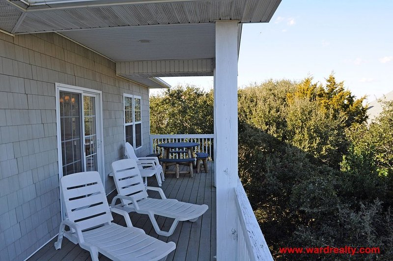 Top Floor Covered Porch & Deck