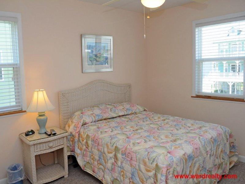 1 ° piano Streetside King Bedroom