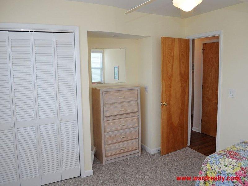 2nd Floor Streetside Twins Bedroom II