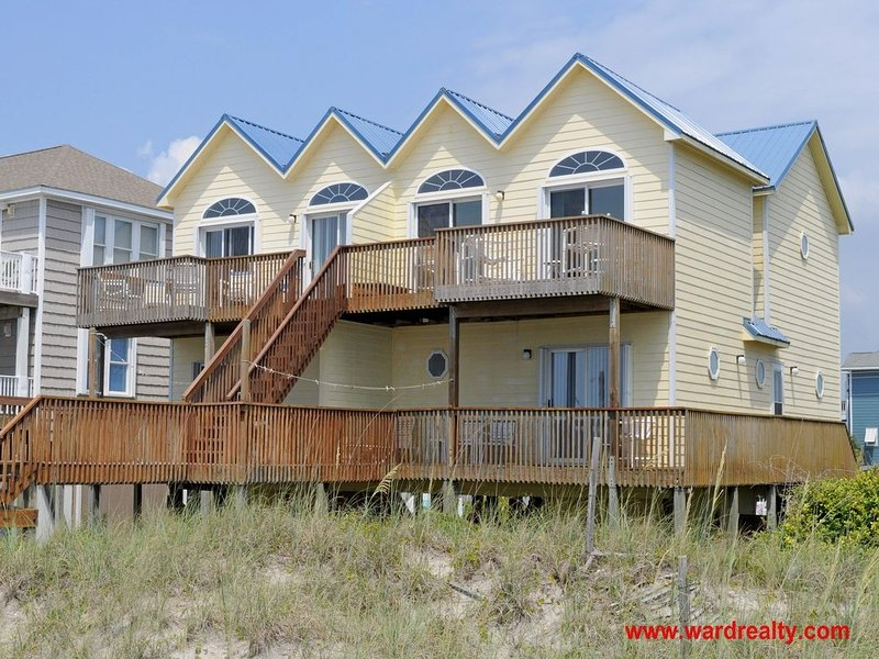 Oceanfront! - 7 Seashells, vacation rental in North Topsail Beach