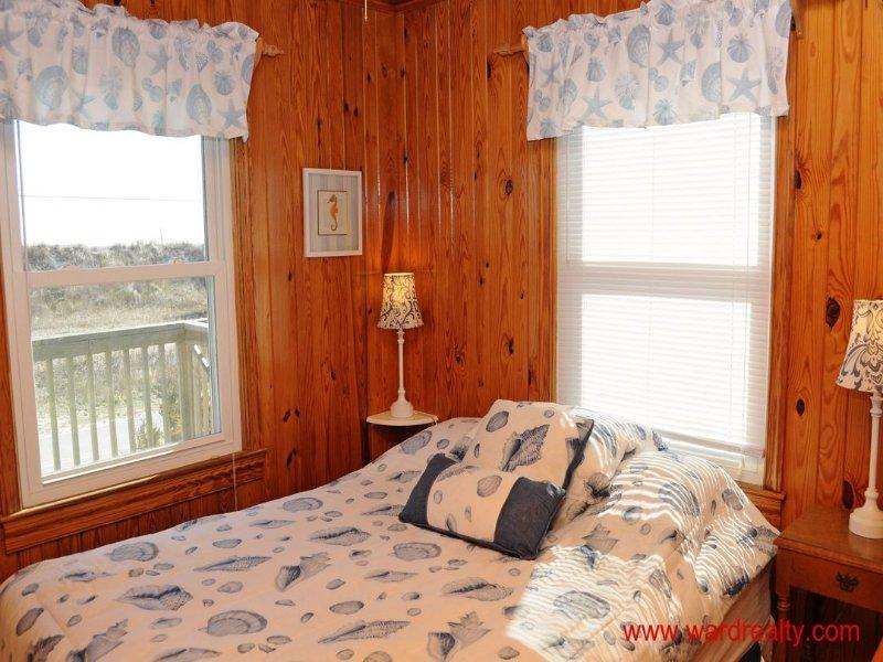 South Oceanside Bedroom with Queen Bed
