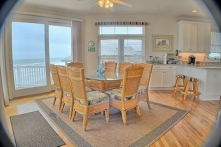 Dining area with spectacular views!