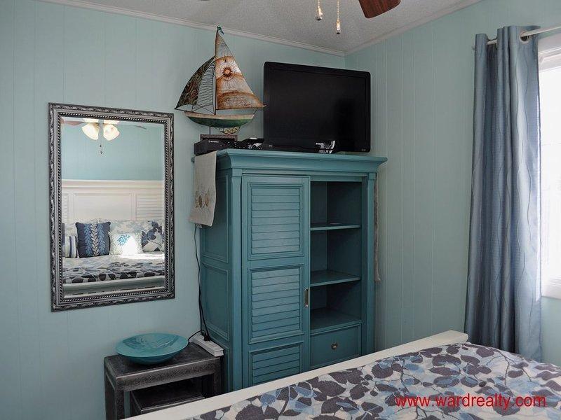Streetside King Bedroom II