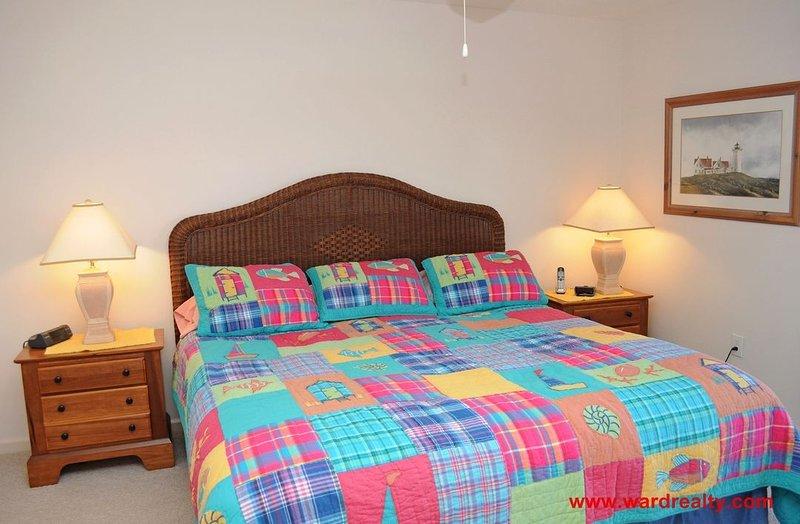 1st Floor Oceanside Master Bedroom w/ King Bed