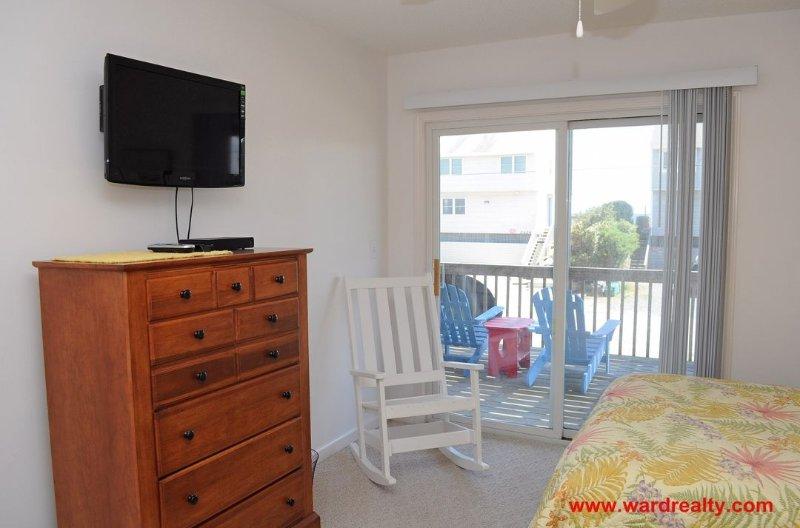 1st Floor Bedroom w/ 2 Doubles II