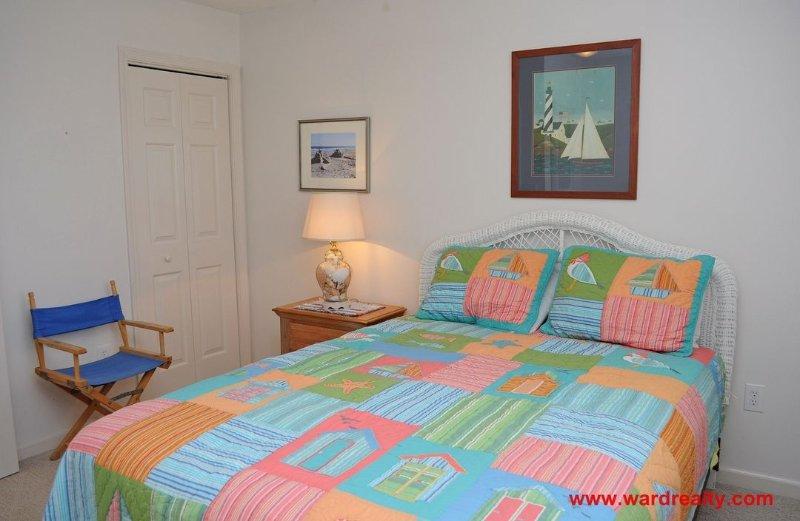 1st Floor Back Queen Bedroom