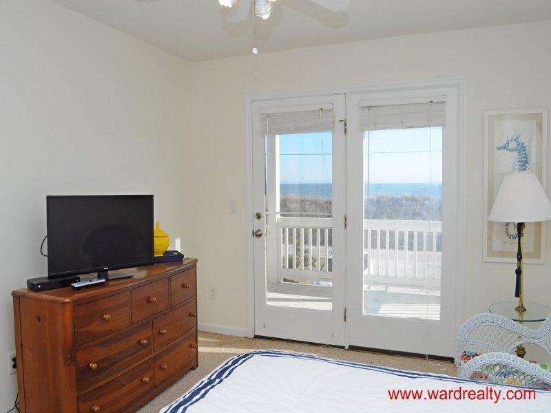 1st Floor South Master Queen Bedroom II