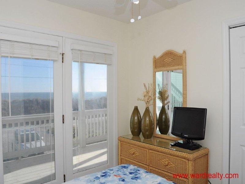 1st Floor North Double Bedroom II