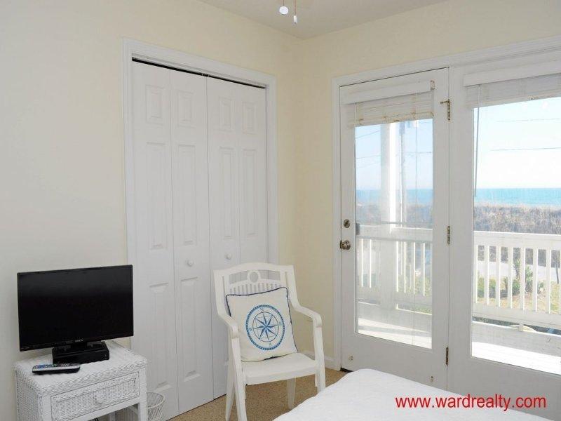1st Floor Middle Double Bedroom II