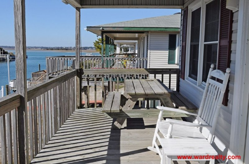 Canalfront Porch w/ Outdoor Furniture
