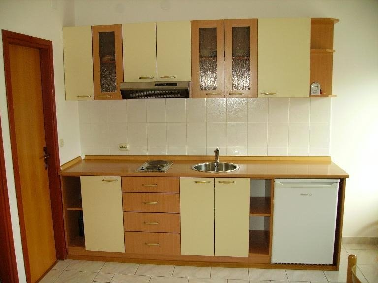 A2(4+1): kitchen