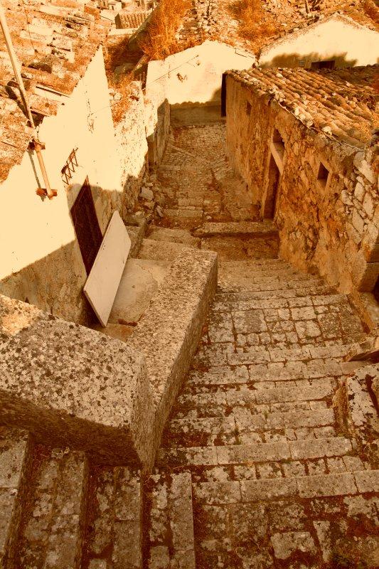 Scorcio del Borgo Antico , quartiere ove sono Le Case degli Avi