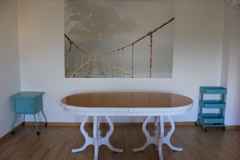 4Hab. Confortable, amplio y moderno, holiday rental in Montrove