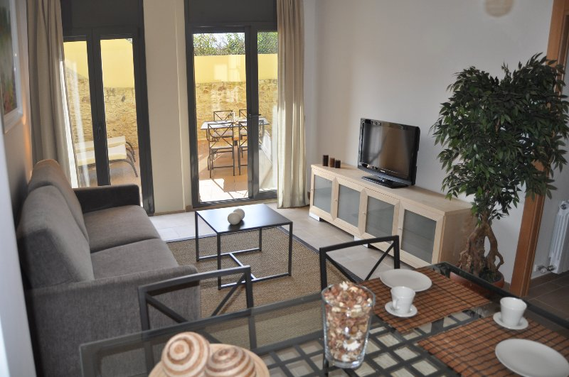 CAN TARONGETA - Sunny Apartment B-3, vacation rental in Palafrugell
