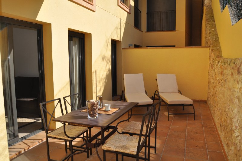 CAN TARONGETA - Sunny Apartment B-1, holiday rental in Mont-ras
