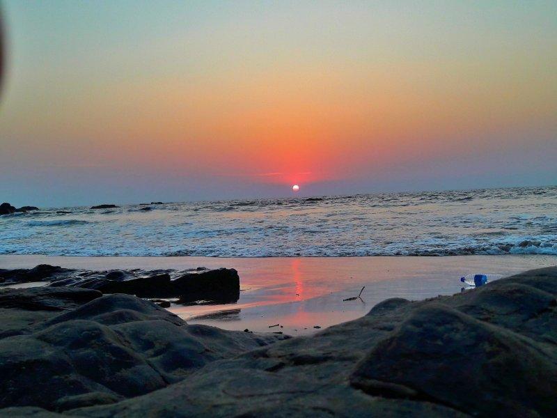 un coucher de soleil parfait de la plage