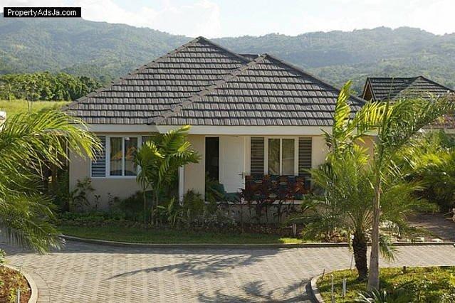 OCHO RIOS Jamaica Paradise House 2 (3Bdrms), holiday rental in Ocho Rios