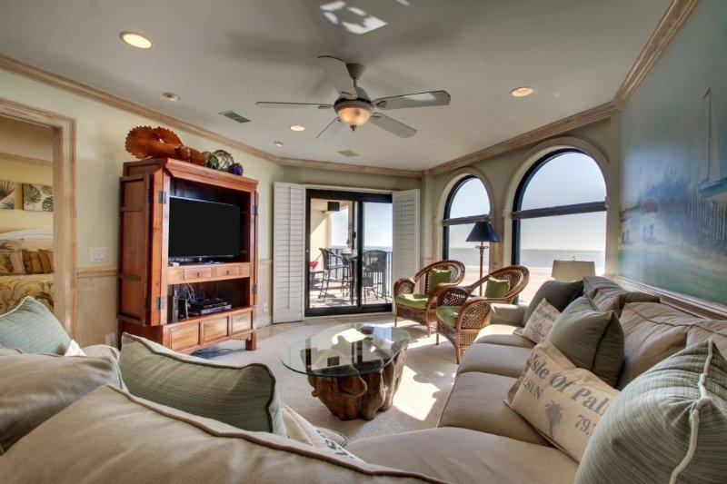 Comfortable Upscale Living Area