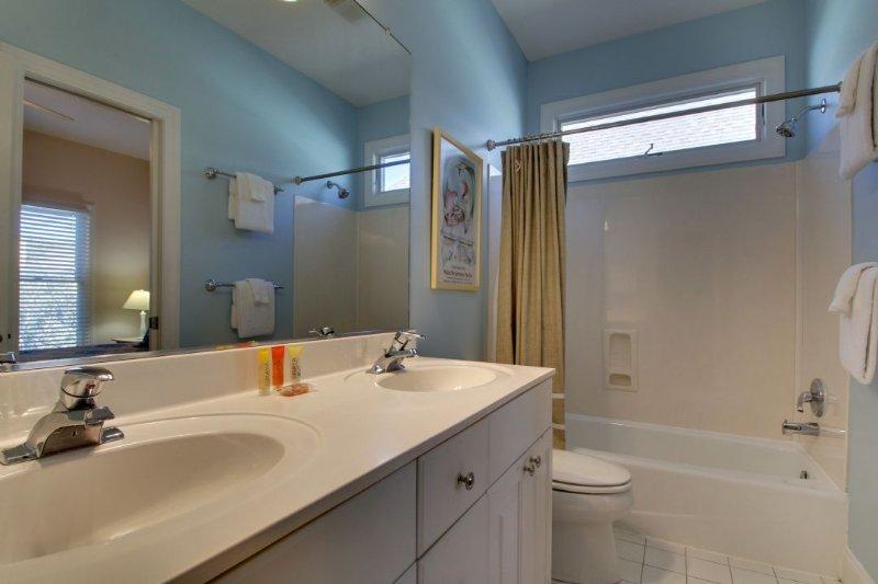 Great Double Vanity Bathroom!