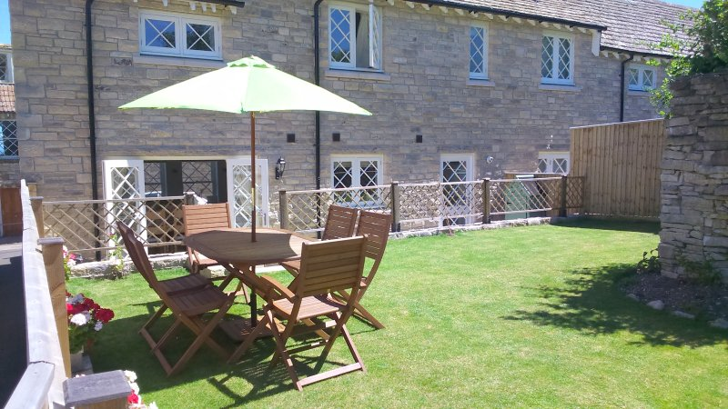 Sunny West facing garden ideal for afternoon and evening time relaxation