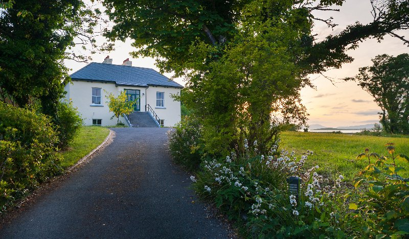 Killadangan Westport, luxury self catering on the Wild Atlantic Way sleeps 2-10, vacation rental in County Mayo