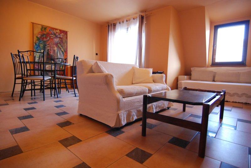 Baratero At Home Apartment, vacation rental in Vladaya