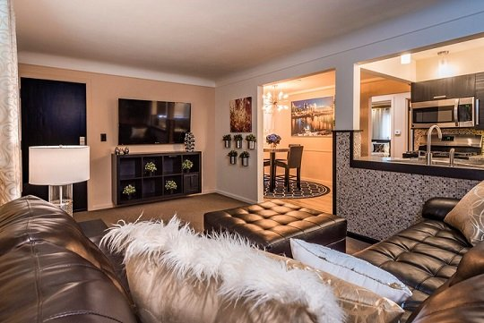 D2 - Beautiful Extended Stay 2 Bedroom Apartment with garage, aluguéis de temporada em Taft