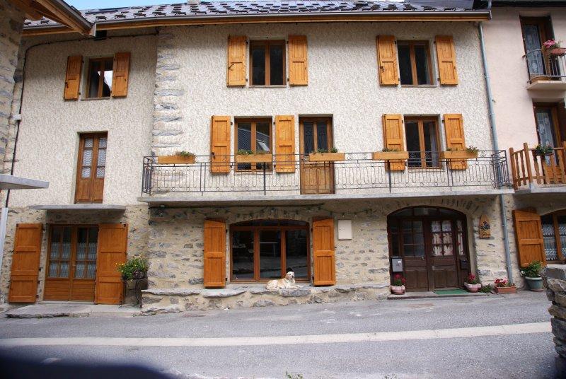 Villar d'Arène - la Grave la Meije  Maison *** 200 m² de 6 à 12 personnes, location de vacances à Villar-d'Arêne
