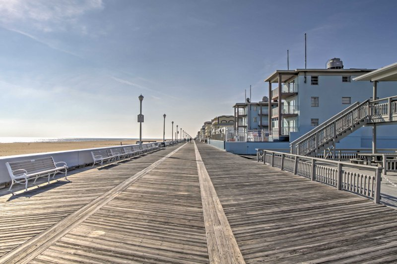 This conveniently placed condo is near the boardwalk for the ultimate Ocean City retreat.