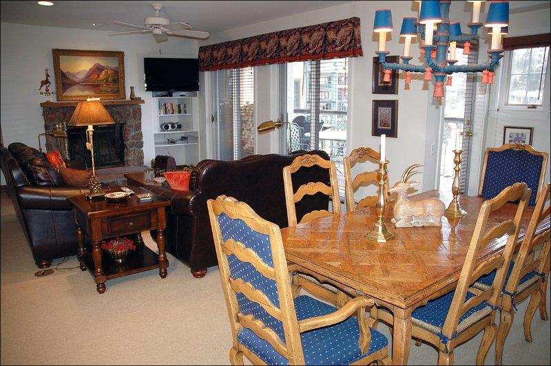 Área de jantar Seats Six