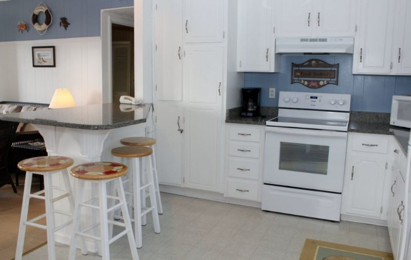 Kitchen with Granite Counter tops  Level 2