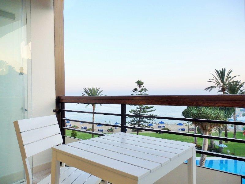 Santa clara torre 1 Apartment, holiday rental in Torremolinos