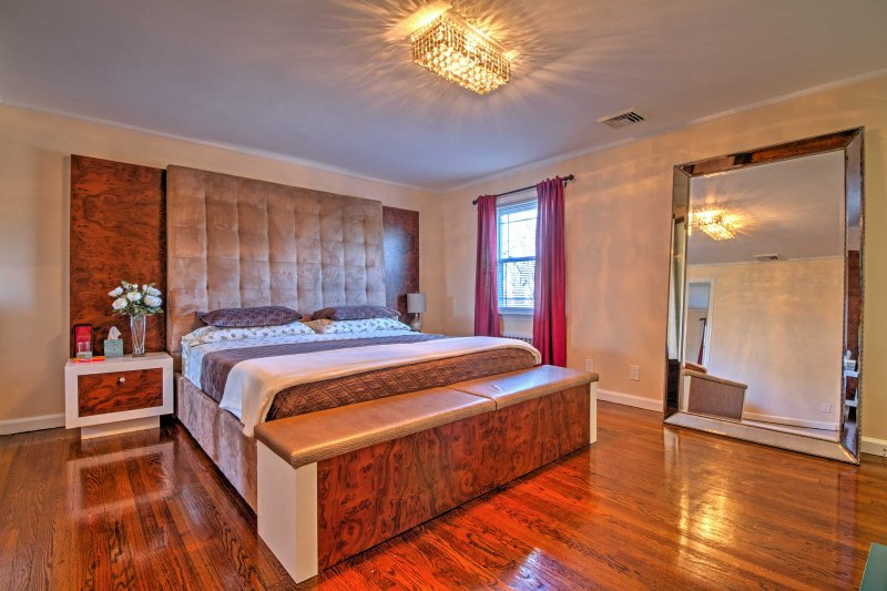 You're sure to sleep like royalty in the master bedroom's king-sized bed.