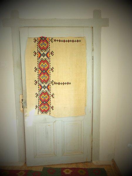 vieille porte de la bonne chambre
