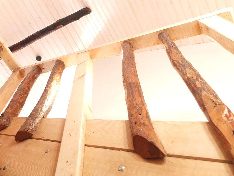 Vieux bois. Nouveau bois. (escalier)