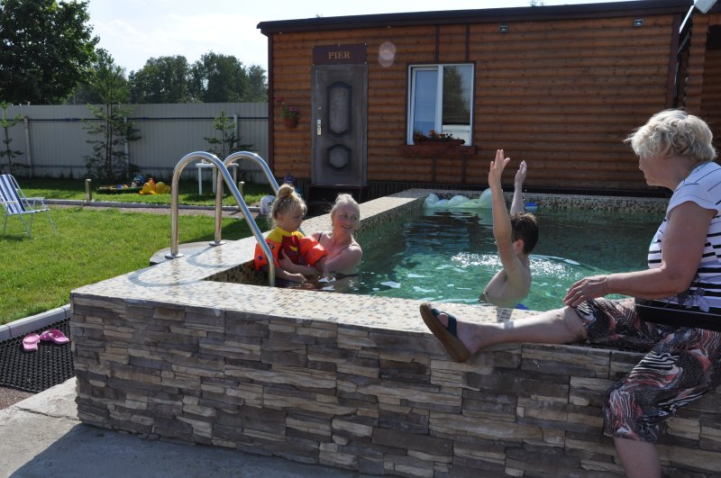 Bungalow PIER  with private sauna beside Peterhof and Pulkovo airport, vacation rental in Peterhof